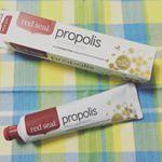 天然成分が豊富な歯磨き粉がとっても良かったのでご紹介します✨.red seal PROPOLIS という100%ニュージーランドプロポリス成分使用の歯磨き粉です‼️.フラボノイド成分が…のInstagram画像