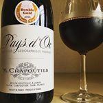 シャプティエ・ペイ・ドック・ルージュ2015南フランス・ラングドック・ルーション。Paysd'OcRouge辛口の赤ワイン。飲みごたえ十分でコスパ最高!これで1000円とかすごい。美味しい…のInstagram画像