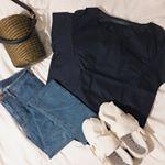 ♡♡♡Outfit Of The Day.simple♥︎、、今日もシンプルでした🙋🏼♀️💕新作のシャツすごく涼しいです♪♪、夏に気になる便利メイクアイテムも載せてお…のInstagram画像