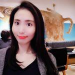 髪色めっちゃ暗くした‼️🙆♀️トリートメントで艶々🤭美容師のお姉さんオススメのカフェ☕😌✨めっちゃ発色いいリップは3CE💄#cafemiru_東京 #cafemiru #cafepa…のInstagram画像