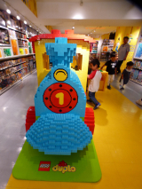 【LEGO】国内最大規模の大阪レゴストア!実際乗れる3Dレゴも!!の画像(5枚目)