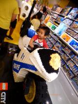 【LEGO】国内最大規模の大阪レゴストア!実際乗れる3Dレゴも!!の画像(6枚目)