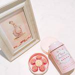 薔薇のチョコとNINASのマリーアントワネットスペシャル🌹薔薇のチョコレートめっちゃ美味しかった♡・・・ #NINAS #tea #マリーアントワネット #MarieAntoine…のInstagram画像