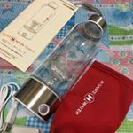 携帯型水素水生成器 ビザンテ H ウォータータンブラータンブラーでそのまま充電して水素水がつくれるので、持ち運びもできてとても便利!USBケーブルとプラグも付属されています。丸…のInstagram画像