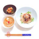 .....みんな大好き和食🍚♥️..無添加だしパック「ホシサン☆」を使用して、カツオのたたき丼と豚汁とキュウリの和え物を作りました☀️..月に1度は必ず、こ…のInstagram画像