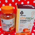 グミでおいしく♥️ビタミン補給♥️VITA FRESH VITAMIN C&D 2500♥️アメリカから上陸!!!一度食べるとまた食べたくなるおいしさ♥️3つぶでビタミン補給♥️NO人…のInstagram画像