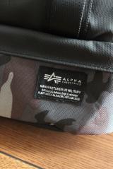 ★★★ 通勤・通学、旅行にも!ALPHAコラボの便利な2層式収納バックパック ★★★の画像(3枚目)