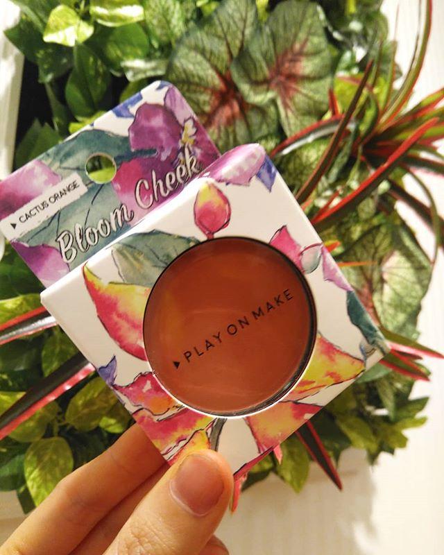 口コミ投稿:#カクタスオレンジ という花の名前のチークを使ってみました。高発色なので、ひと塗…