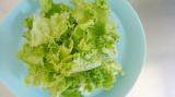 「【うちごはん】モンマルシェのレモンレリッシュで簡単♪生ハムサラダ」の画像(2枚目)