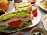 「大山ハムのリオナソーセージ『トマト&バジルソーセージ』でサンドイッチをいろいろ!どれも美味しい!」の画像(12枚目)