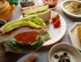 「大山ハムのリオナソーセージ『トマト&バジルソーセージ』でサンドイッチをいろいろ!どれも美味しい!」の画像(13枚目)