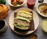 「大山ハムのリオナソーセージ『トマト&バジルソーセージ』でサンドイッチをいろいろ!どれも美味しい!」の画像(4枚目)