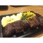 身体がタンパク質を欲してる!⠀歌舞伎町にある【ハラペコステーキ新宿本店】@harapeko.shinjyuku で、ハラミ300gをペロリと完食。選べる肉量は150g 1650円〜 450…のInstagram画像