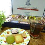 *1924年創業!!!日本で初めて本格的なフランス菓子を提供した洋菓子メーカーの「コロンバン」さんの人気商品が一度に味わえる2018年夏バージョンのアソートギフト「プレミアムアソートソレイユ」…のInstagram画像