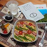 .#焼きカレーご飯(200g)、五島の鯛で出汁をとったなんにでもあうカレー(1袋)、ピザ用チーズ(35g)を順に重ね、細切りにしたピーマン(1個分)、斜め薄切りにしたウインナー(1本分)、…のInstagram画像
