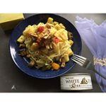 ⠀3連休初日のランチは、モンマルシェ @monmarche_official の【オーシャンプリンセス ホワイトツナの国産にんにく入りツナ】を使ってパスタ🍴⠀冷凍のイタリアン野菜ミックスを…のInstagram画像