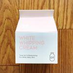 G9 WHITE WHIPPING CREAM#ウユクリーム*塗って直ぐにトーンアップ。話題のウユクリーム(牛乳クリーム)は、毛穴・しみ・くすみをカバーします。塗った瞬間、水が出てくる…のInstagram画像