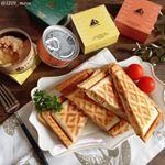 ・・こんばんは・・今更だけど朝食です・・最近、朝はホットサンドばかり食べてます🥪今日はチーズと玉ねぎモンマルシェ様 @monmarche_official …のInstagram画像