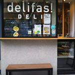 #delifas!DELI×トリートトリート 限定コスメスムージーすご〜くおいしいし、ビタミン、ミネラルたっぷり。お肌プリプリになりそう。私の投稿を見てくださった方、スムージーに飲む日…のInstagram画像