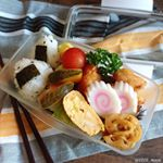・・Today's lunch box・・こんばんは・・プレミアムドームランチボックスをモニターさせていただきます・・✔️ごま塩こにぎり✔️たく…のInstagram画像