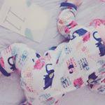 マンスリーフォトカードで寝ている間に記念撮影。_来月で1歳かぁ♡#マタニティ #フェリシモマタニティ #フェリシモ #マタニティ記録 #プレママさんと繋がりたい #プレママライフ #妊…のInstagram画像