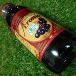 メディカルフルーツとしても最近人気になってきた天然アロニア果汁100%のジュースを飲んでみました🍇✨..ブルーベリーの5倍のポリフェノールが含まれているといわれており更にORAC値と言…のInstagram画像