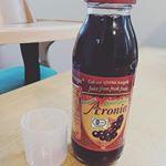 .モニプラさん経由で有機アロニア100%果汁をお試しさせていただきました♡.アロニアって聞いたことはあったのですが食べたり飲んだりしたことは今までありませんでした。.ポリフェノール…のInstagram画像