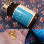CELEBLISSTA オメガ-3を飲んでます♪ CELEBLISSTA オメガ-3はキレイな黄金色のソフトカプセル。飲みやすい大きさです。1日あたり4粒を目安に水またはぬるま湯などと共に…のInstagram画像
