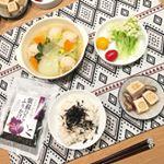 昨日の#晩ご飯#鶏団子と野菜のコンソメ煮#高野豆腐と椎茸#カリフローレ#もち麦ご飯 #ひじきふりかけでした(o^^o)**BIOKURA様よりモニターで頂いた ひじ…のInstagram画像