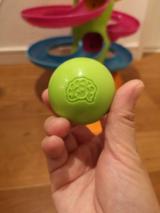 【クリスマスプレゼントにも】子供が飽きないおもちゃ!Fat Brainのロールアゲインタワーが我が家にやってきた!【対象年齢12カ月~】の画像(7枚目)