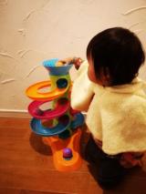 【クリスマスプレゼントにも】子供が飽きないおもちゃ!Fat Brainのロールアゲインタワーが我が家にやってきた!【対象年齢12カ月~】の画像(8枚目)