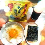 やっぱりたまごかけごはんが好き🐣最近また、だし醤油かけるようになったーかき醤油おいしい💓最近ハマってる韓国のりと一緒にたべる#アサムラサキ #かき醤油 #たまごかけご飯 #TKG …のInstagram画像