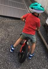 ペダルつけてみたら、30分で乗れるようになった(長男 4歳0ヶ月)の画像(1枚目)