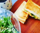 ちょい珍しいかな? チンゲン菜の焼きサンドイッチの画像(2枚目)