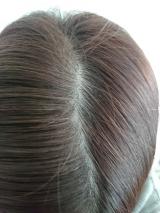 分け目や生え際の白髪にサッとひと塗り!Hena クイックカバー ヘアファンデの画像(12枚目)