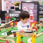もうすぐクリスマス🎄クリスマスプレゼント何にしようかな⁉️ってことで、先日銀座にある博品館TOY PARKへ下調べに行ってきました🎵3階のブリオのおもちゃコーナーに、息子の大好きな電車や汽…のInstagram画像