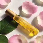 国産オーガニック @tokotowaorganics のロールオンパフュームオイル PINKを使っています🌹**国産オーガニックの月桃をはじめ、ローズやイランイランなどの私の好きな香りのエ…のInstagram画像