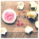 ᛭𓁘「KAORU ピュアローズ」をお試ししました🌟一粒でローズ香るフレグランスサプリメント。ピンクのサプリメントがかわいい💕約3000kgの花びらから、わずか…のInstagram画像