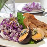 🎄「曽我漬」を紫白菜にからめてドレッシング風に--「曽我漬」は、静岡県増田屋本店のかす漬け。クリーミーな酒粕ベースに刻んだ大根、キュウリが絶妙なバランスで入っています。-そのままお…のInstagram画像