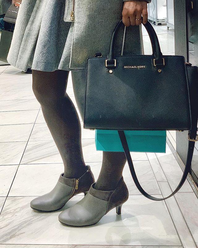 口コミ投稿:.とっても履きやすくいブーティーを見つけた👀💞.元からヒール靴が苦手で、年中ぺたん…