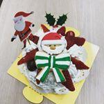 子供達とクリスマスケーキの飾り付け⭐️ シフォンケーキにデコレーションです🍰🎄 今日のおやつに…❤️ #共立食品 #手作りスイーツでクリスマス #monipla #kyoritsu_fanのInstagram画像