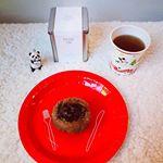 おはようございます!クリスマスの朝、食器類のゴミ出しも完了。年内に断捨離できてほっとしています。..ほっと言えば、 @roselabo.japan 様からのローズティーと 365日と日本橋…のInstagram画像