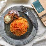 2018/12/26✳︎ 蟹と蟹みその本格トマトソースピエトロファーマーズさんのトマトソースを使わせていただきました。帰省のため、冷蔵庫に食材を増やしたくない私にぴったりのお助けアイテムで…のInstagram画像