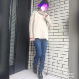 cocaの赤ライン入りゆるシルエットニット×あったかパンツでコーデ☆の画像(1枚目)