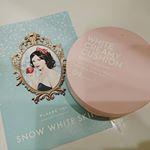 #GR 様に提供いただき、#ウユクッション をお試しさせていただきました♡こちらは牛乳タンパク質を使用したシリーズのもので、付けただけで白雪白肌になれるという素敵な商品です✨実際につけ…のInstagram画像