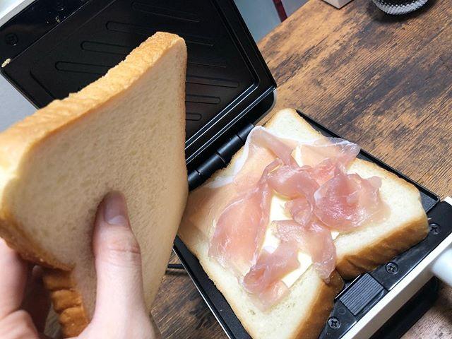 口コミ投稿:ホットサンド始めました❤️やばば😍😍簡単でおいしい〜😍😍ワッフルの板もついてるからた…