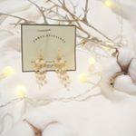 natural coutureの500円プチプラピアス🎶 .じゃらじゃらが可愛い😁 ..#ナチュの500円アクセ で色んなデザインが見れます👍 ..小物は全てキャンドゥとセリアで購…のInstagram画像