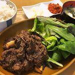 1週間で1番辛い水曜日_:(´ཀ`」 ∠):ガッツリ食べて頑張りましょう。#きょうの昼ごはん #ひかり味噌phoyou #monipla #hikarimiso_fan#昼ごほん #おうち…のInstagram画像