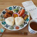 お昼ご飯は、お弁当の残りでワンプレート😊ご飯は @3284rice 様 からいただいた #美食玄米 🍚無洗米の玄米で白米を炊くように炊飯器で柔らかく炊けます✨モチモチと柔らかくとても美味し…のInstagram画像