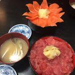 きょうのお昼は海鮮丼!#きょうの昼ごはん #ひかり味噌phoyou #monipla #hikarimiso_fanのInstagram画像